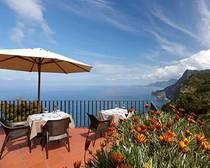 Madeira_Terrasse_Blick Auf Meer Rundreise Erlebnisreisen